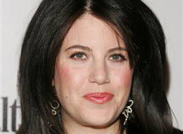So, ouot of the blue, Monica ewinsky is in the news. Hmmm, could she be planning a retrun to the states? Duh.
