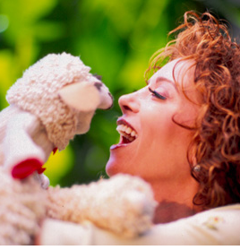 """Lookie here. Lampchop is having a comeback. And none other than Shari Lewis' daugher Mallory """"Mally"""" is spearheading this effort. Oh, America, we are headed back to the good old days after all."""