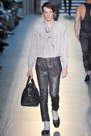 Here Z Zegna feaures the what to wear for the heinous androgynous Manzie in your life.