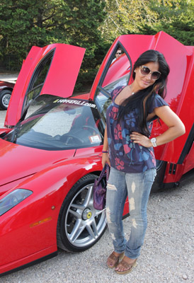 Here are a few pix of people from the recent Ferrari Hamptons Rally. This is Farrah Field. Can we just say far afield?