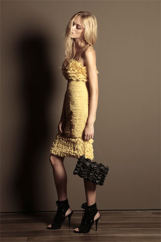 Trussardi thinks a girl who would wear this flirty dress is gonna wear heavy black booties. Not gonna happen.