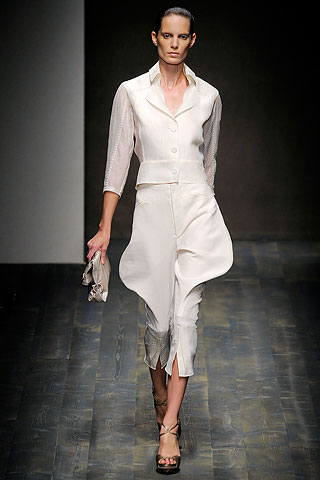 Salvatore Ferragamo is just one of those leather brands that might just need to stay that. Who in Earth is going to want to wear thise unflattering thigs...in linen no less? OKIDEER.