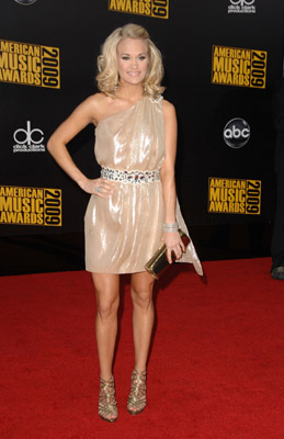 Carrie Underwood looks beautiful in this irridescent Grecian number.