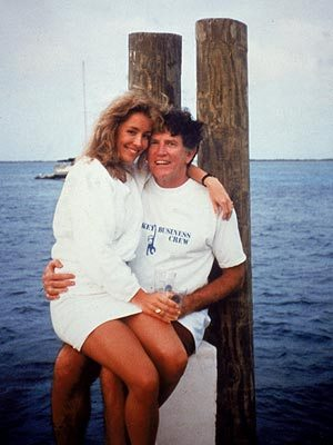 The image that ended the presidential plans of Gary Hart.