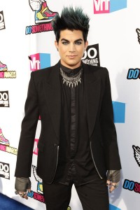 And while I'm at it, Adam lambert should get a garnder up in his coiff already too. He looks like an extra in True Blood at Fangtasia.