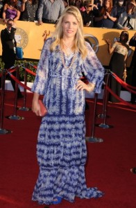 If Busy Phillips is going to be Michelle Williams perennial date to awards shows, then she needs to engage a stylist.