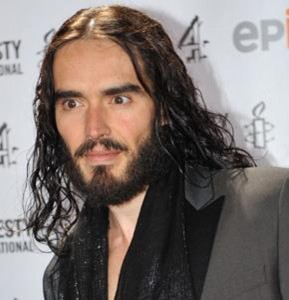 Girl, wash your Charles manson-like hair and unplug your eyes, then hit the red carpet.