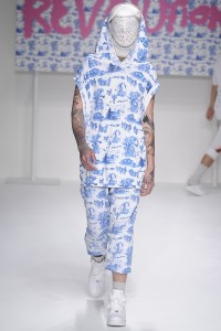 Sibling shows how men really want to look. A lovely two piece ensemble and bee keeper bonnet fierceness.